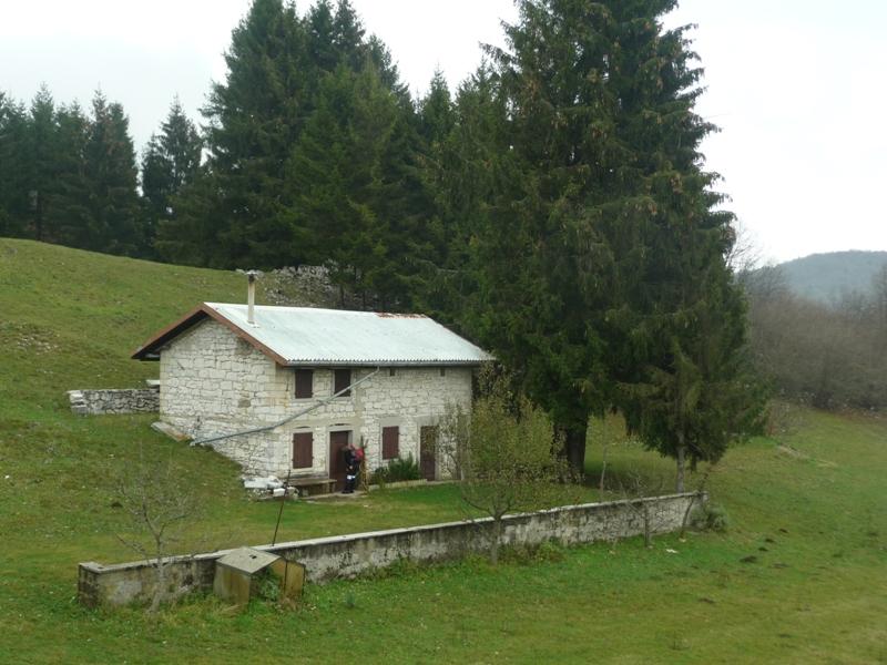Casera valinis 967 m dolomiti di destra tagliamento e for Casera m bel