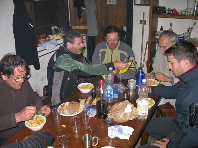 Turisti-merenderi in Chiampiuz.