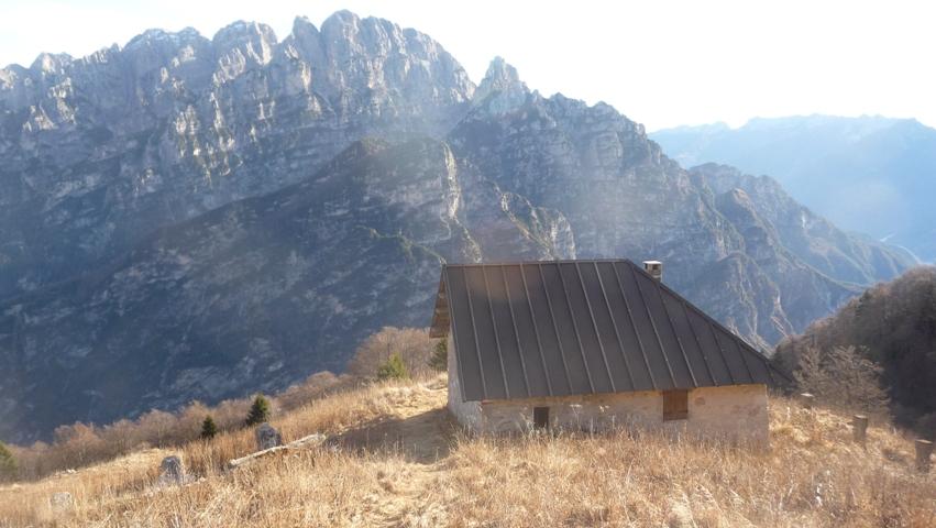 Casera lodina 1567 m dolomiti di destra tagliamento e for Casera m bel